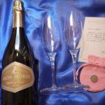 結婚記念日には、このシャンパングラスで乾杯してくれていると嬉しいです!