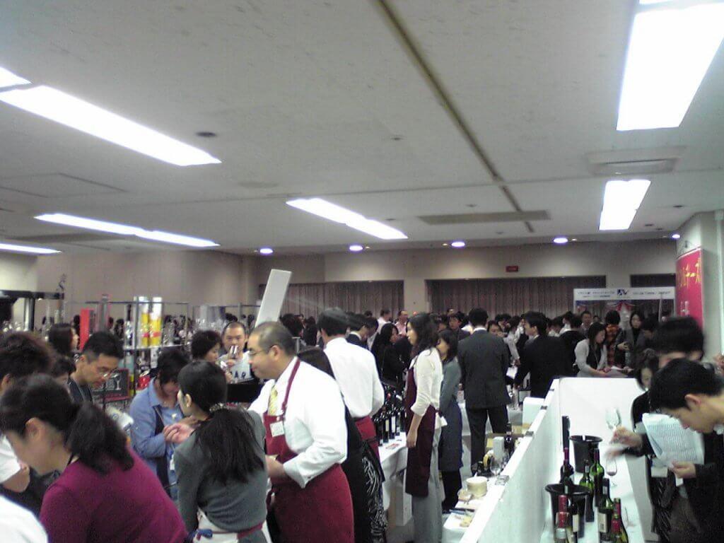 WINE KANSAI(ワイン関西)の雰囲気
