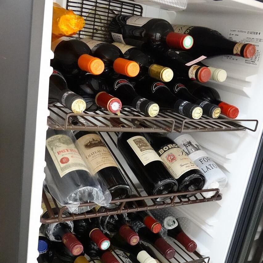 ワインセラーで保管されたワイン